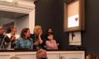 "Pintura de Banksy se ""autodestrói"" após ser vendida por 1 milhão de libras"