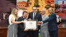 Buffet Laudir Festas e Eventos recebeu o Jubileu de Pérola por seus 30 anos