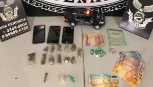 Polícia prende cinco por usar barbearia como fachada para o tráfico de drogas