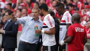 """São Paulo vê """"queda absurda"""" e procura respostas, mas não cogita demitir Diego Aguirre"""