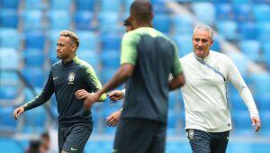 Brasil e Uruguai testam forças em amistoso em Londres