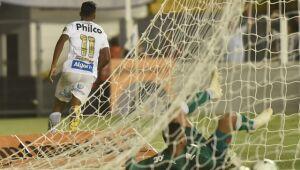 Fluminense e Santos abrem vantagem na quarta fase