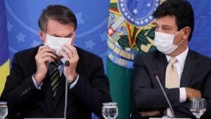 'Estamos preparados para ver caminhões do Exército carregando corpos?', questiona Mandetta a Bolsonaro