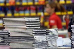 Fique atento na hora de comprar materiais escolares