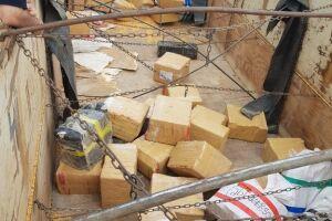 9,5 toneladas de maconha são apreendidas em meio a carga de milho