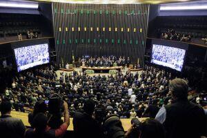Pandemia e divergências adiaram reforma tributária para 2021