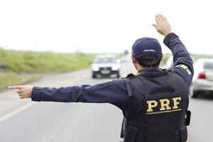 PRF publica edital de concurso com 1,5 mil vagas e salários de R$ 9,8 mil