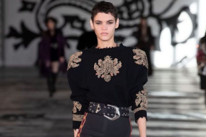 Ex-manicure de Naviraí é top model destaque em desfile de Milão