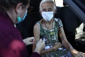 Idosos com 84, 85 e 86 anos serão vacinados amanhã