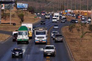 Novas regras de trânsito, como pontuação da CNH, entram em vigor nesta segunda