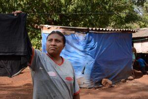 Em Dourados, mais de 2 mil famílias indígenas vivem debaixo da lona