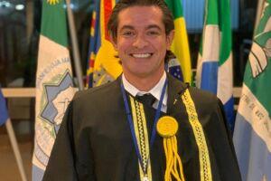 João Linhares é empossado na Academia Maçônica de Letras de MS