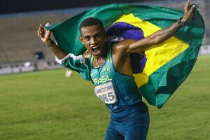 Promessa brasileira da maratona treina com quenianos antes de estreia olímpica
