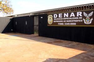 Homem com tornozeleira eletrônica é preso no centro de Campo Grande por tráfico de drogas