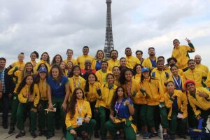 Com técnico do MS, seleção escolar brasileira de futebol feminino conquista Jogos Mundiais Escolares