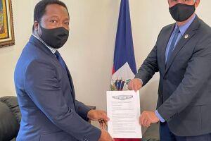 Em agenda na Embaixada do Haiti, Sergio Nogueira pede regularização dos haitianos que residem em Dourados