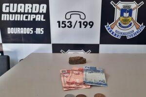 Usuário de droga é preso com maconha na praça do cinquentenário