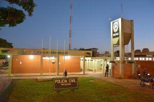 Ladrão rompe cerca elétrica, invade residência e leva R$ 19 mil
