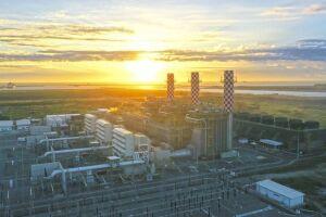 Energia térmica, mais cara e suja, vai pesar no seu bolso até 2025