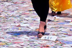 'Santinhos' biodegradáveis: ideia ganha apoio e vira projeto de lei