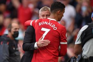 Técnico do Manchester United conta com o apoio de Cristiano Ronaldo para não ser demitido