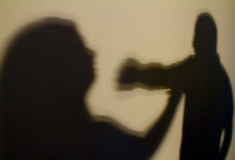 Homem é preso por agredir ex-mulher, fazer ameaças e descumprir medidas protetivas