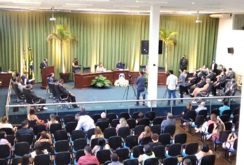 Câmara empossa os 19 vereadores para a legislatura 2021/2024