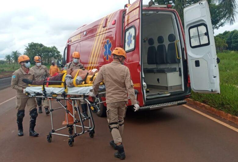 Idoso sofre queda de motocicleta em Dourados
