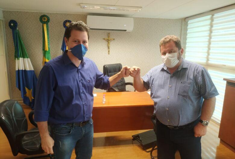 Presidente do Legislativo recebe visita do deputado Renato Câmara