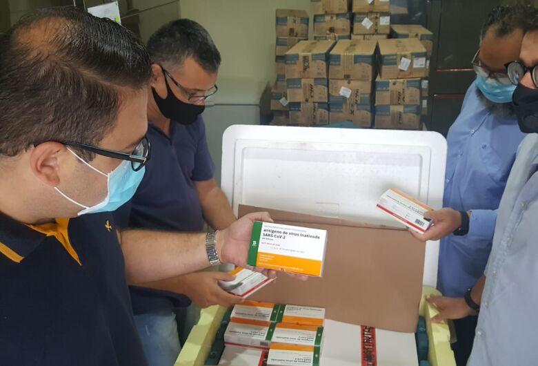Dourados começa vacinação contra Covid às 11h com profissionais da saúde