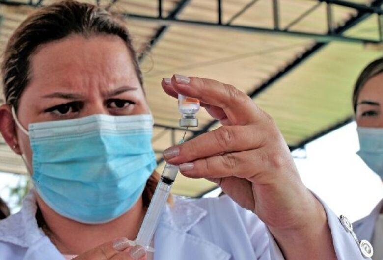 Mais de 68% dos municípios do Estado iniciaram nesta terça-feira a vacinação contra a Covid-19