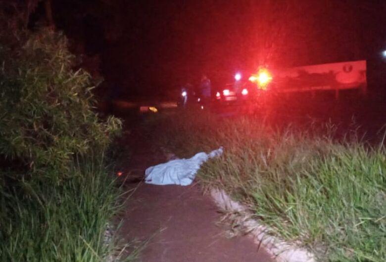 Ciclista de 19 anos morre atropelado no prolongamento da Marcelino Pires