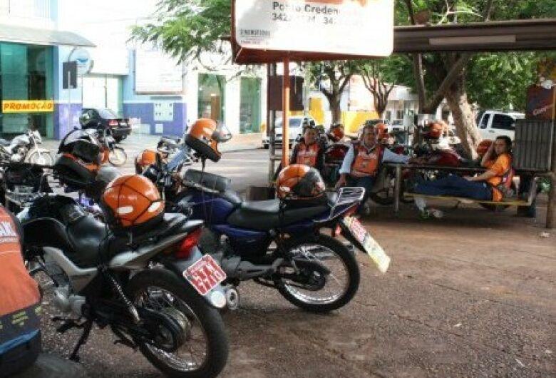 Mototaxistas são convocados para evitar cassação de alvará