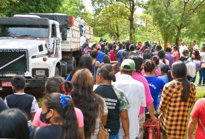 """Crenças religiosas """"derrubam"""" vacinação e aldeias seguem aglomerando"""