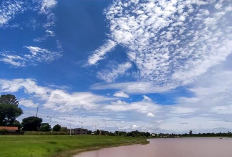 Quarta-feira de tempo claro e máxima de 37°C no Estado