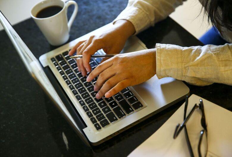 Trabalho digital cresce 5 vezes e ameaça direitos trabalhistas