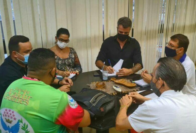 Governo e Fundação de Cultura estudam forma de fomentar ações das Escolas de Samba durante 2021
