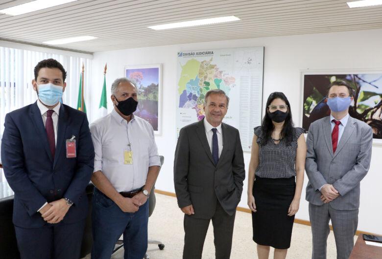 Corregedoria do TJMS e Detran estudam parceria para permitir aos cartórios de registro civil a transferência de veículos