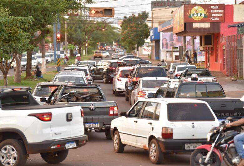 Com frota de 163 mil veículos, trânsito está à beira do caos