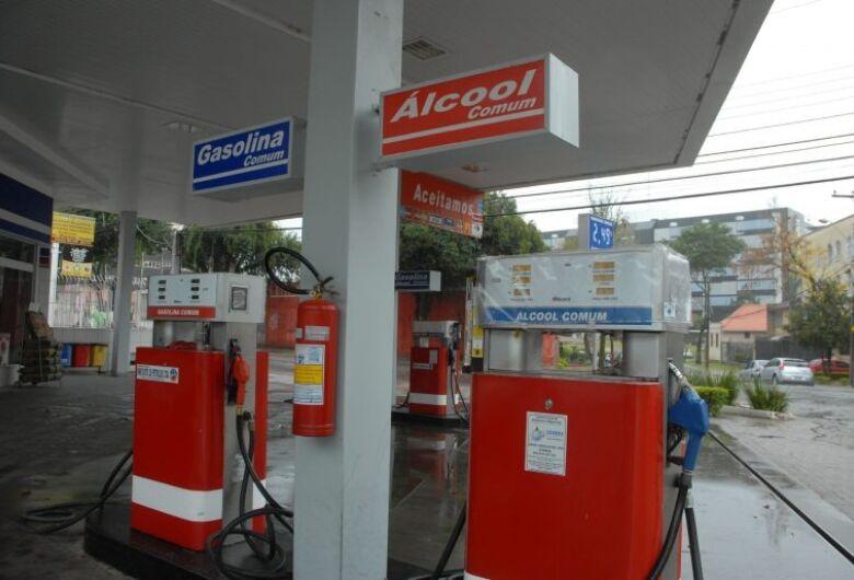 Deputados divergem sobre projeto que unifica ICMS de combustíveis