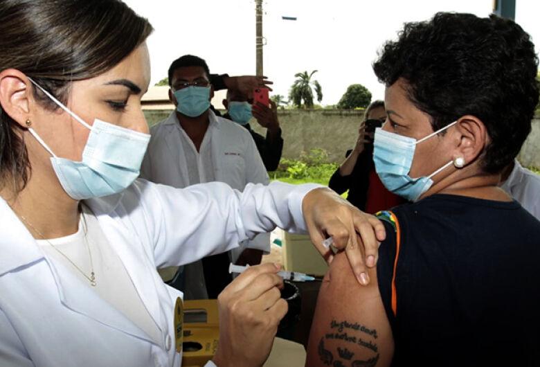 MS atinge a marca de 3.330 mortes por coronavírus, mas já é o 2º no ranking nacional de vacinação