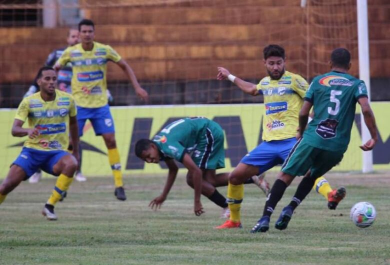 Dourados AC aplica goleada no Novo e se classifica para o hexagonal do Estadual
