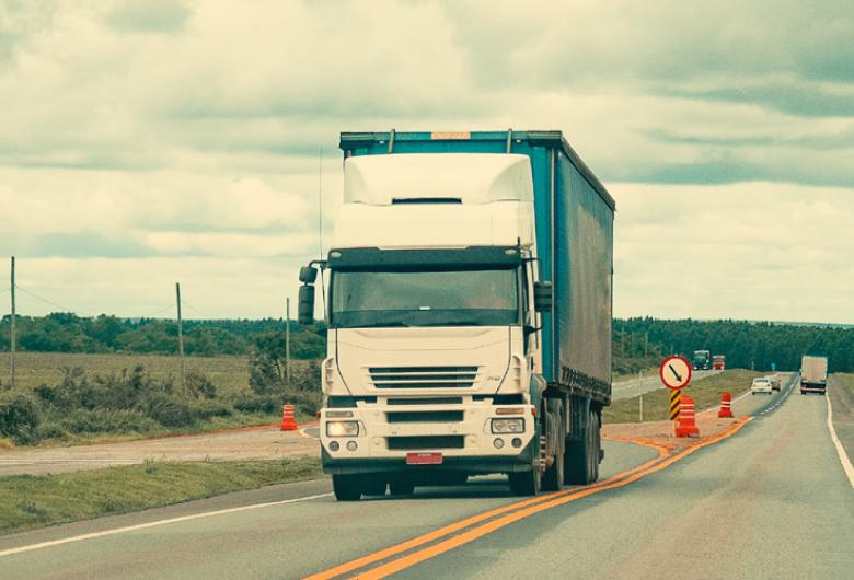 Transporte rodoviário tenta se manter firme, apesar das dificuldades