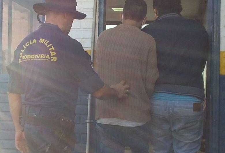 Jovens são presos com drogas que seriam entregues em Dourados