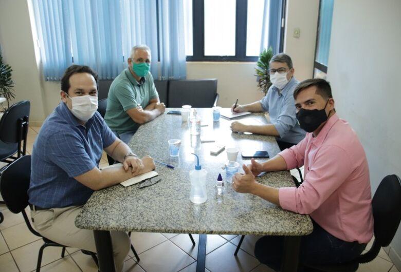 Prefeitura disponibiliza equipe para atender CPI da Covid