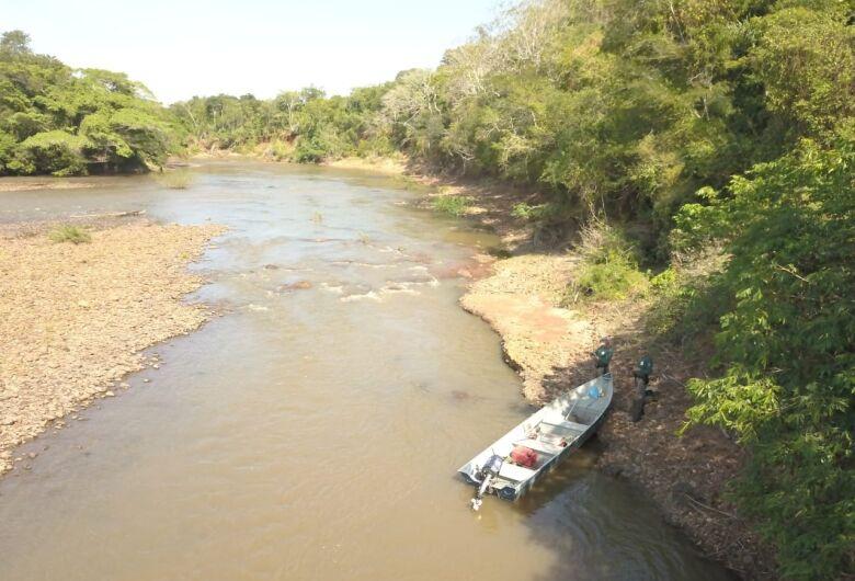 Polícia ambiental fiscaliza 68 pescadores no rio Miranda e apreende petrechos ilegais