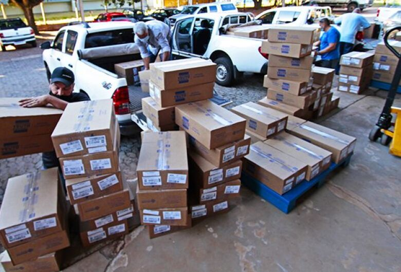 Mato Grosso do Sul recebe 338.130 medicamentos do 'kit intubação'