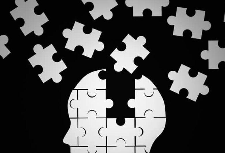 Alzheimer aumenta em três vezes chance de morte por Covid-19, diz estudo