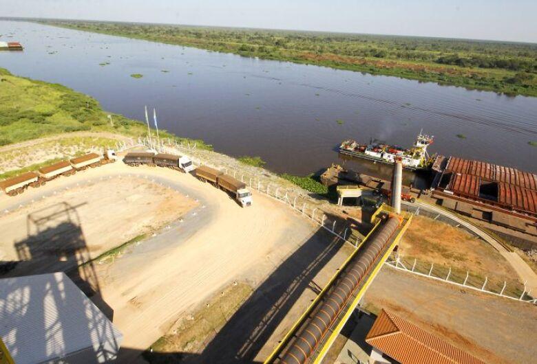 Contorno rodoviário de Porto Murtinho garante agilidade na exportação recorde pela hidrovia