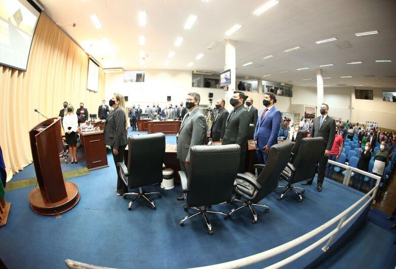 Vereadores cumprem agenda na Capital e sessão é transferida para a terça-feira